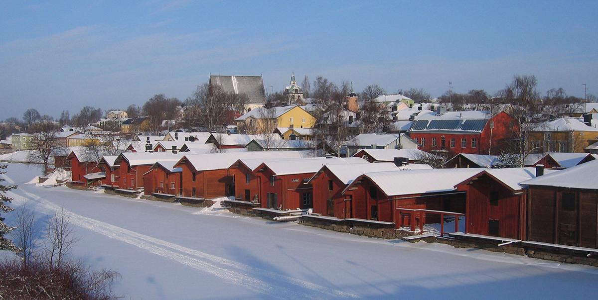 NÄKYMÄ porvoon vanhaa kaupunkia 1200px